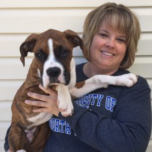 pet sitter bios of shelly hansen pet sitter with her dog cooper